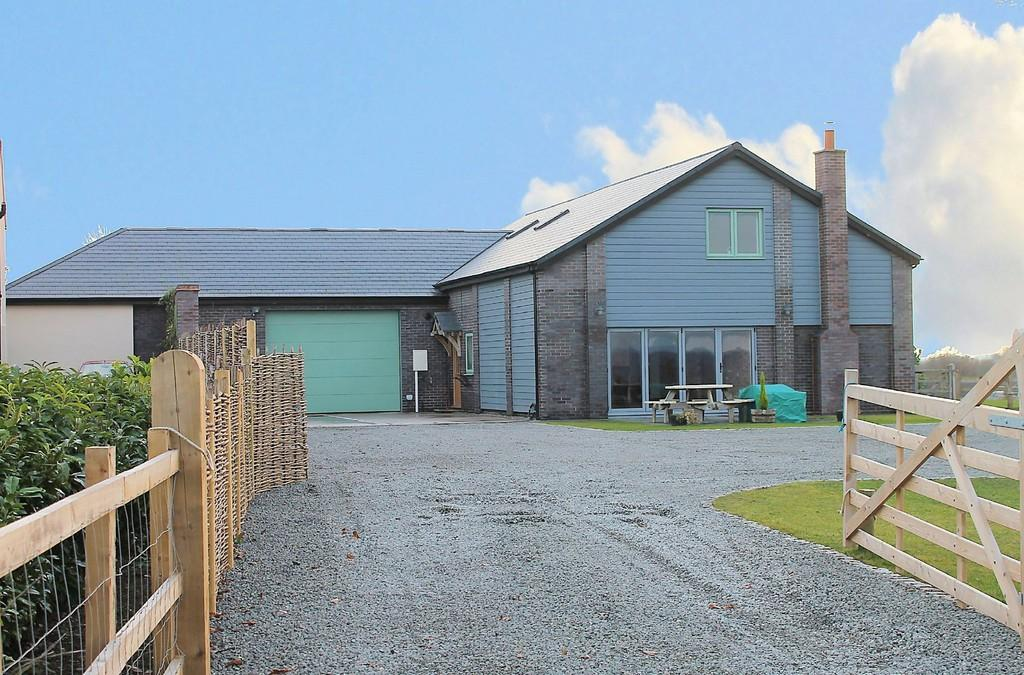 4 Bedrooms Barn Conversion Character Property for sale in Stonehill Barn, Tamworth Road, Cliff, B78 2DJ
