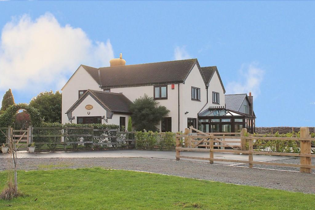 5 Bedrooms Detached House for sale in Stonehill Farm Cottage, Tamworth Road, Cliff, B78 2DJ