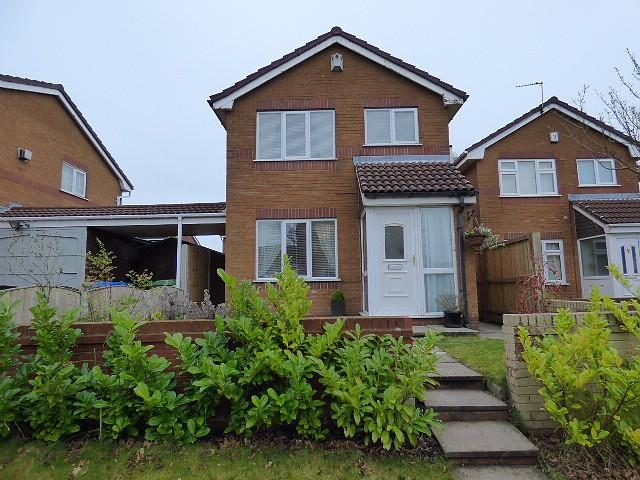 3 Bedrooms Detached House for sale in Rossendale Drive, Gorse Covert, Warrington