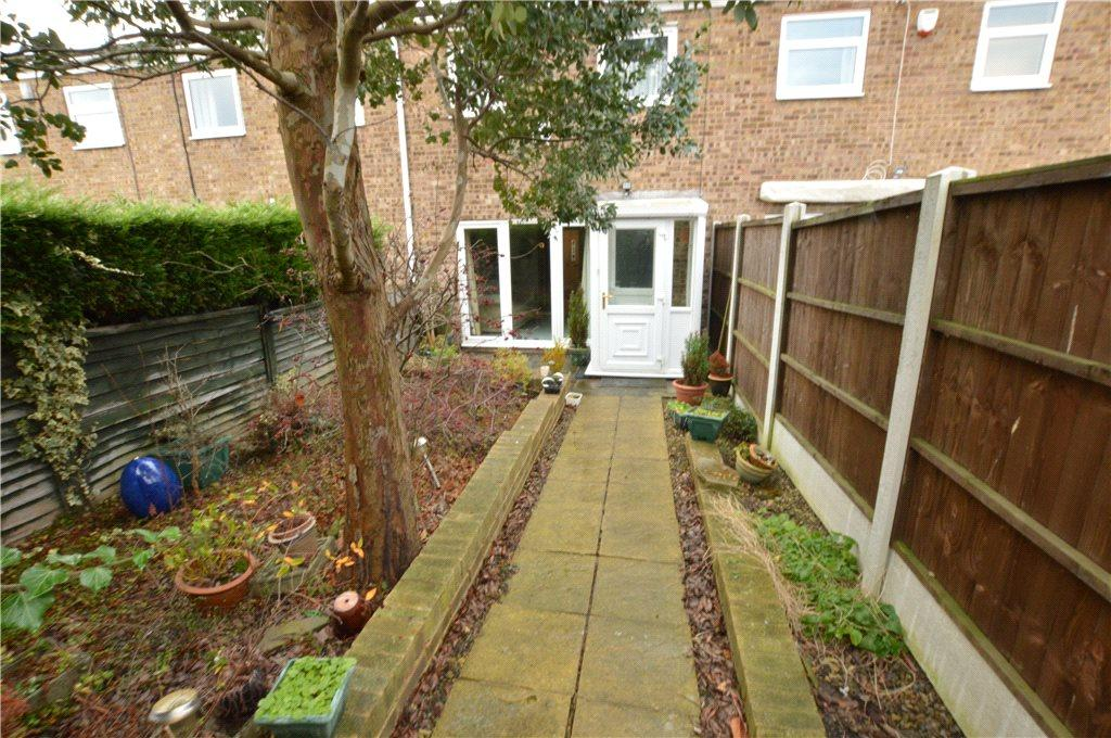3 Bedrooms Terraced House for sale in White Laithe Avenue, Leeds, West Yorkshire