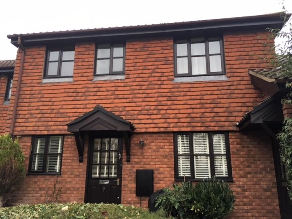 2 Bedrooms Ground Maisonette Flat for rent in Edenbridge