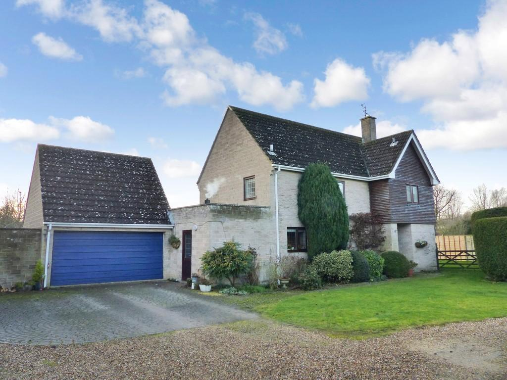 4 Bedrooms Detached House for sale in Walnut Close, Sutton Veny