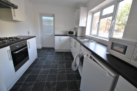 6 bedroom house to rent - Lodge Close, Uxbridge, Middlesex