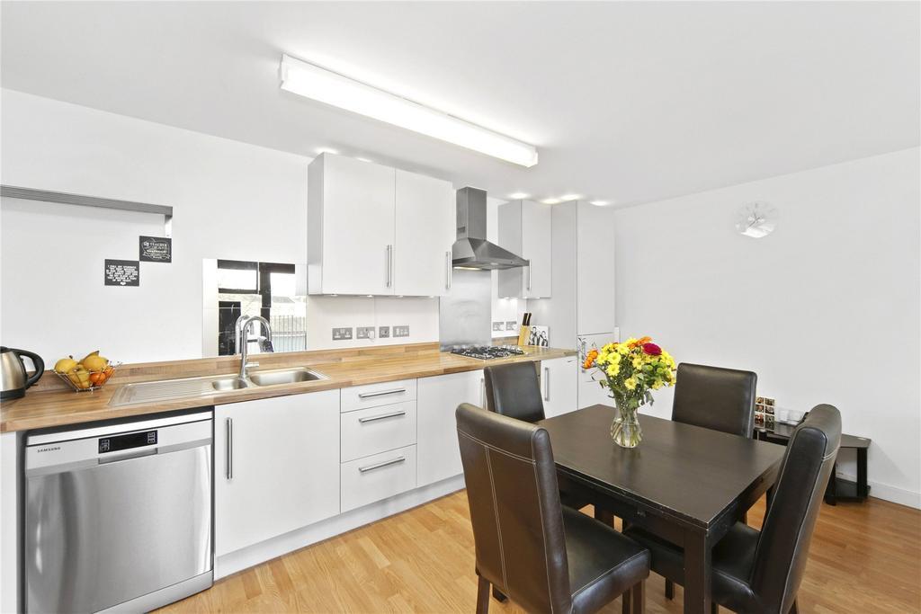 3 Bedrooms Flat for sale in Fawe Street, London, E14
