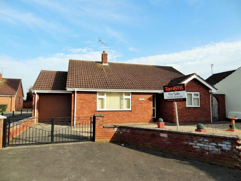 3 Bedrooms Detached Bungalow for sale in Church Lane, Westonzoyland
