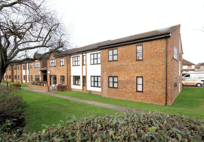 2 Bedrooms Apartment Flat for sale in West Wickham