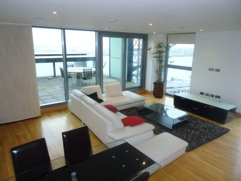 4 Bedrooms Apartment Flat for sale in Unity Building Rumford Place, Liverpool