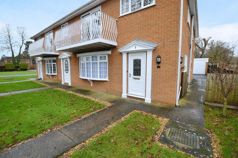 2 Bedrooms Apartment Flat for sale in 2 Sylvan Court, Woodhall Spa