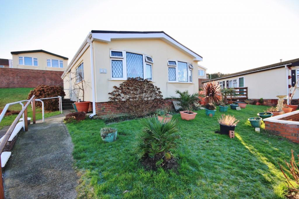 2 Bedrooms Bungalow for sale in Downland Park, The Drive, Court Farm Road, Newhaven, BN9