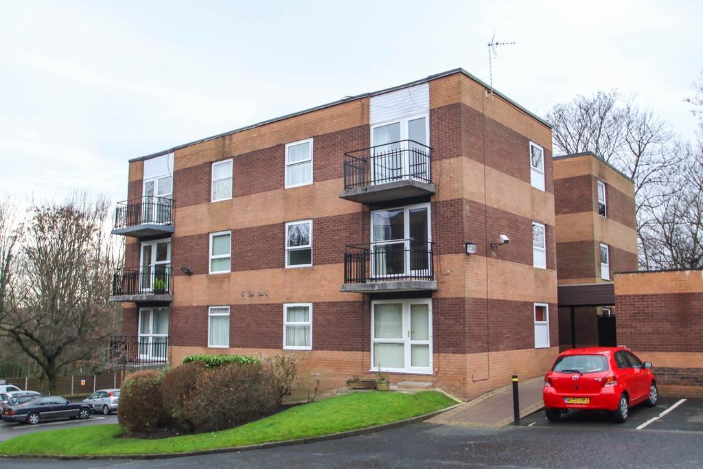 1 Bedroom Apartment Flat for sale in Urmston Lane, Stretford, Manchester, M32