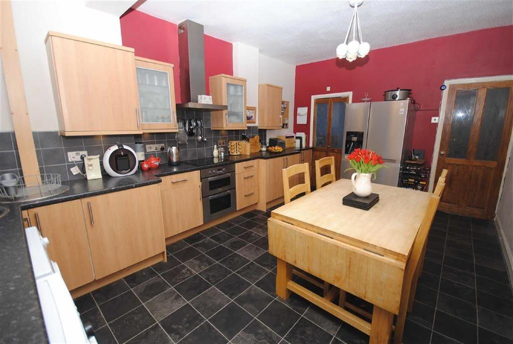 2 Bedrooms Terraced House for sale in Westfield Cottages, Kippax, Leeds, LS25