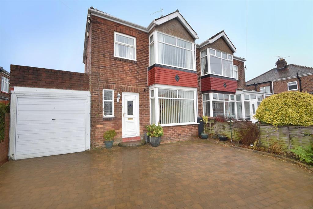 2 Bedrooms Semi Detached House for sale in Braemar Gardens, West Monkseaton