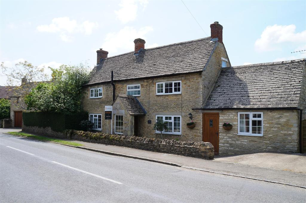 4 Bedrooms Detached House for sale in Alvescot, Oxfordshire