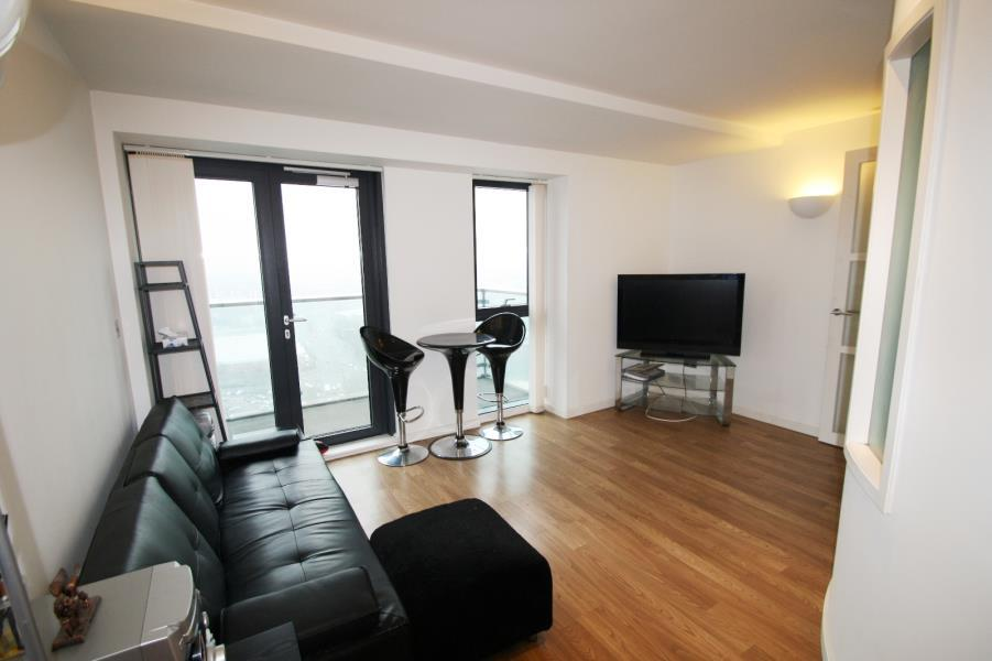 1 Bedroom Apartment Flat for sale in BRIDGEWATER PLACE, WATER LANE, LEEDS, LS11 5QB