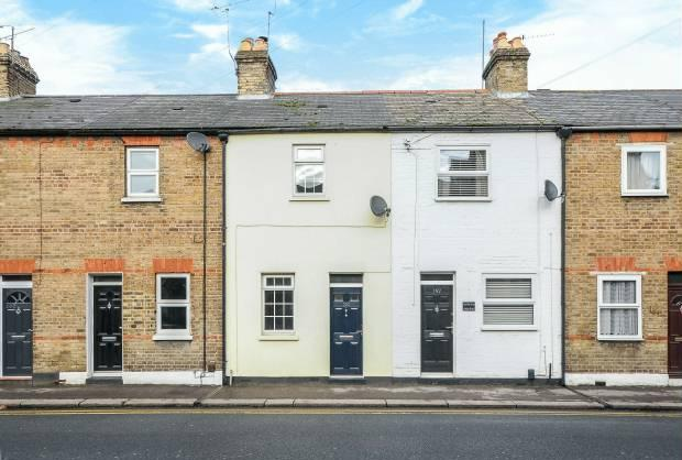 2 Bedrooms Terraced House for sale in Arthur Road Windsor