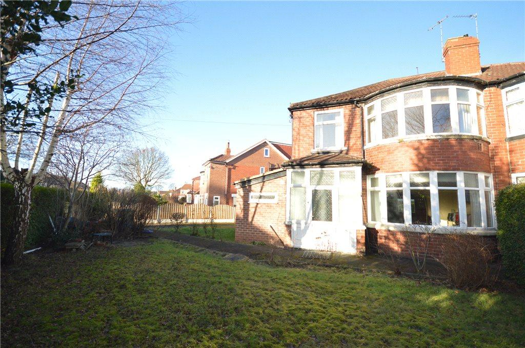 3 Bedrooms Semi Detached House for sale in Kedleston Road, Roundhay, Leeds
