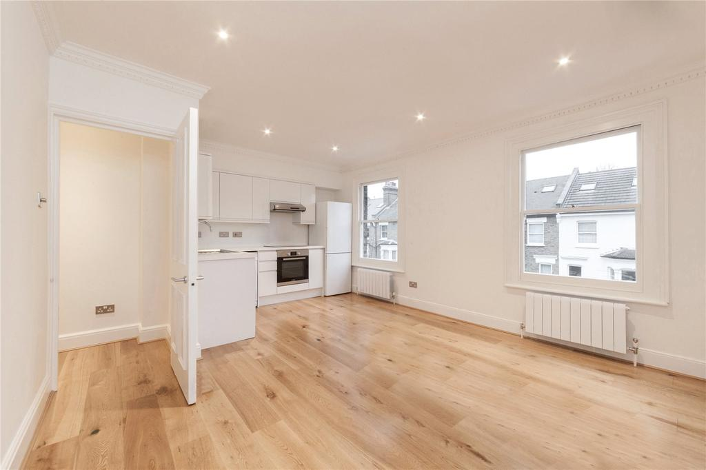 2 Bedrooms Flat for sale in Roderick Road, Hampstead, London