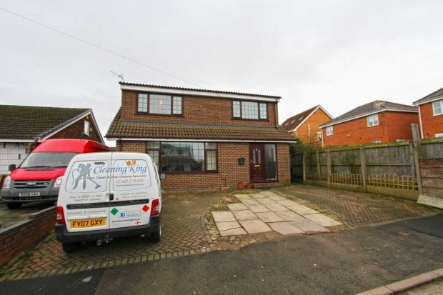 5 Bedrooms Detached House for sale in Bransford Close Ashton In Makerfield Wigan