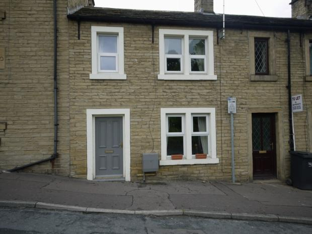 2 Bedrooms Terraced House for sale in Ogden Lane Rastrick Calderdale