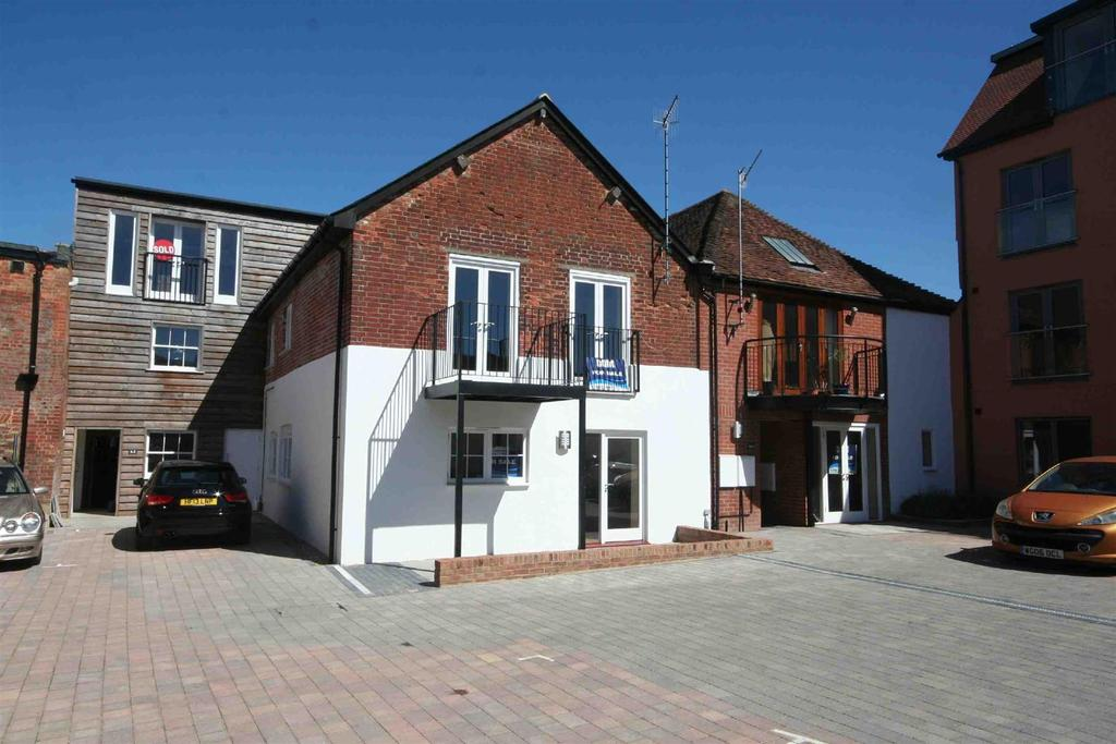 2 Bedrooms Flat for sale in Brown Street, Salisbury