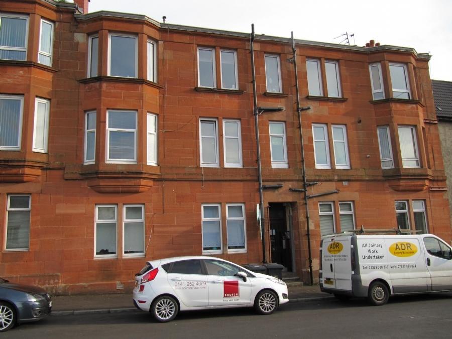 1 Bedroom Flat for sale in 9 Gavinburn Place, Flat 2/3, Old Kilpatrick, G60 5JP