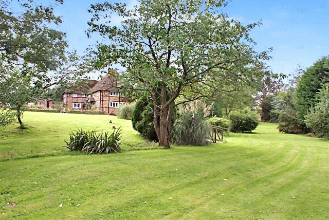 5 Bedrooms Detached House for sale in The Village, Ashurst, Steyning, West Sussex, BN44