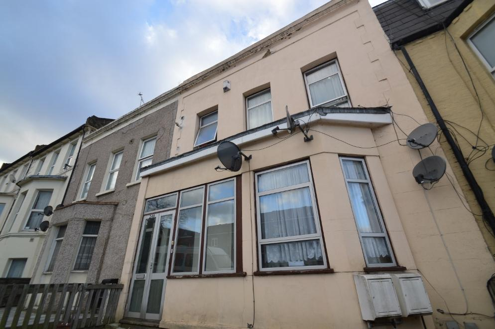 5 Bedrooms Terraced House for sale in Burrage Road, Woolwich, London SE18