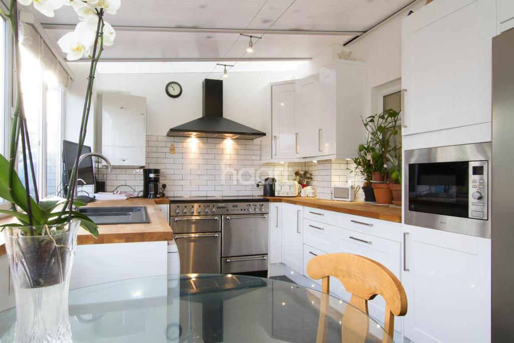 4 Bedrooms Terraced House for sale in Springfield Road, Hemel Hempstead, HP2