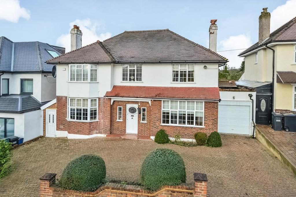 4 Bedrooms Detached House for sale in Norbury Hill, Streatham, SW16