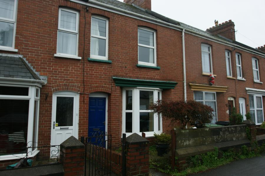 3 Bedrooms Town House for sale in Carrington Terrace, Barnstaple, EX32 7AE