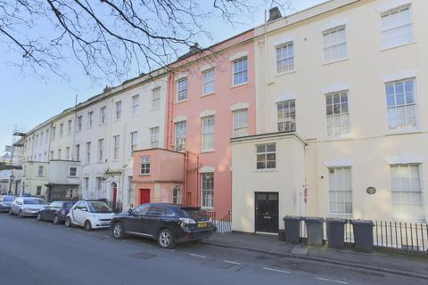 2 bedroom flat to rent - Cornwallis Crescent, Clifton
