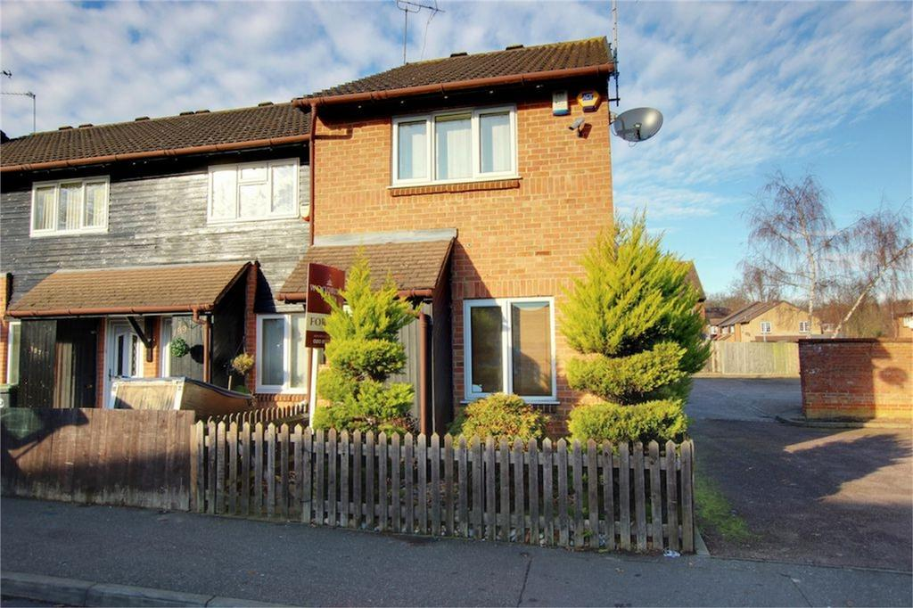2 Bedrooms End Of Terrace House for sale in Colebrook Lane, Loughton, Essex