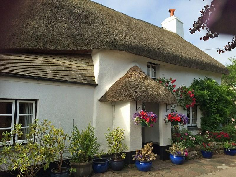 3 Bedrooms Cottage House for sale in Abbotskerswell