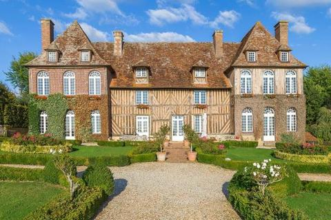 6 bedroom detached house  - Mansion On A Hill, Saint-Julien-Le-Faucon, Normandy