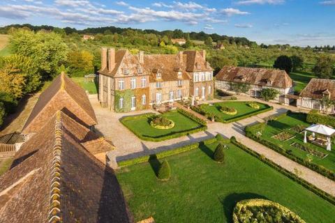 6 bedroom detached house  - Mansion On A Hill, Saint-Julien-Le-Faucon, Normandy