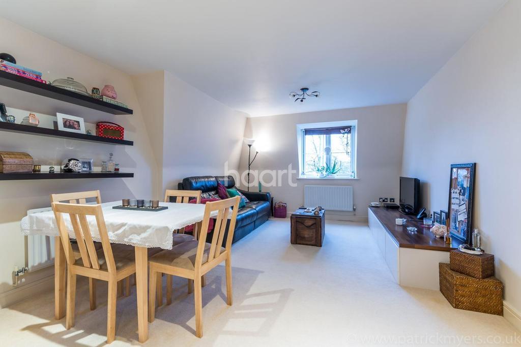 2 Bedrooms Flat for sale in Manor Way , Canonbie Road , London , SE23