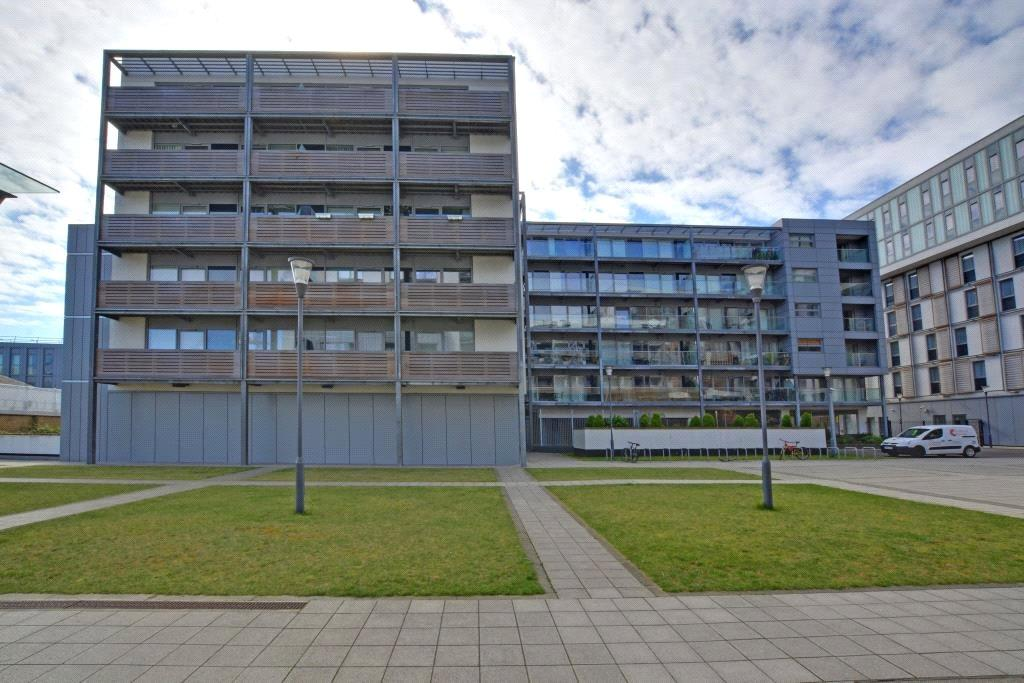 2 Bedrooms Flat for sale in Torrent Lodge, Merryweather House, Greenwich, London, SE10