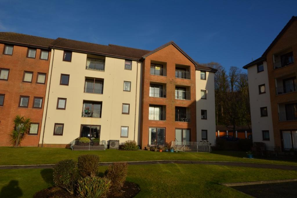 2 Bedrooms Ground Flat for sale in 42 Underbank, Largs, KA30 8SS