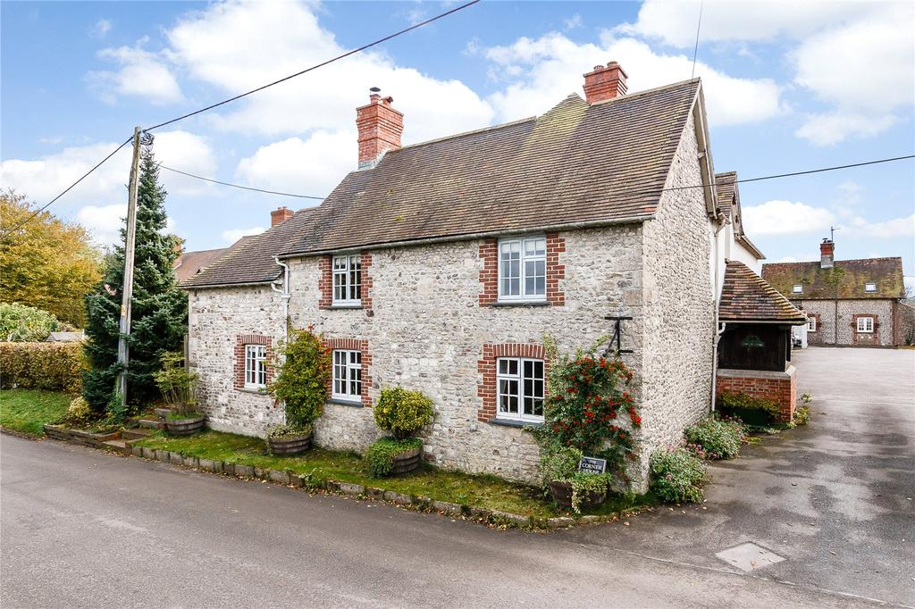 5 Bedrooms Detached House for sale in High Street, Maiden Bradley, Warminster, Wiltshire