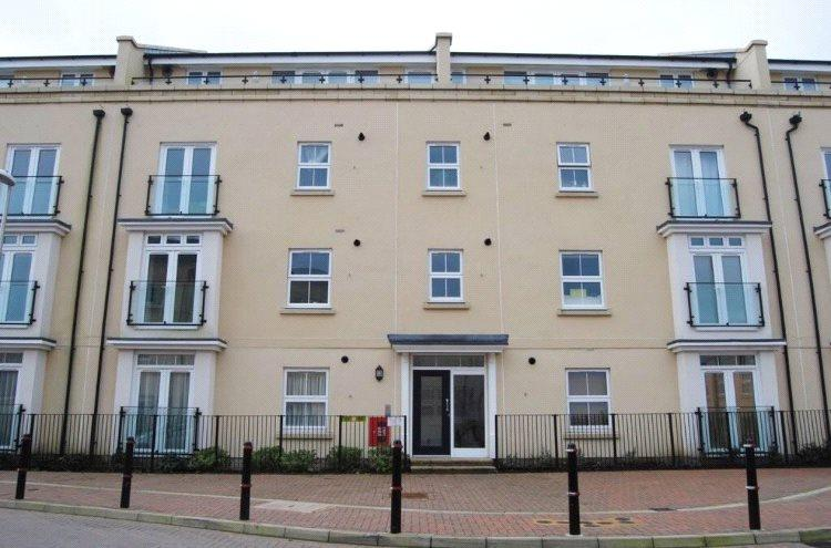 2 Bedrooms Apartment Flat for sale in Taylor Close, Tonbridge, TN9