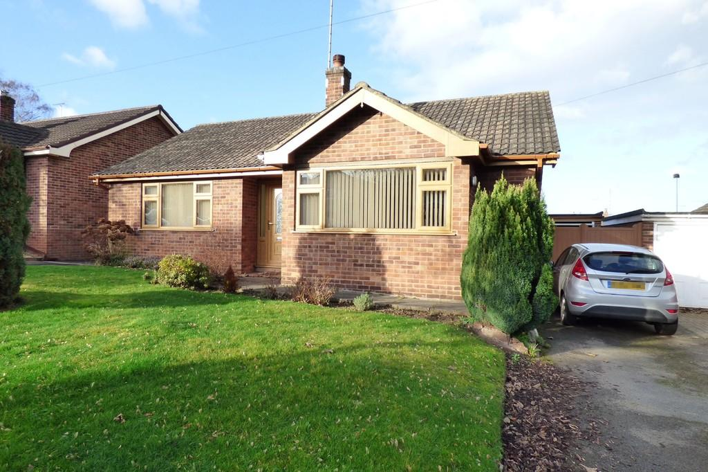 2 Bedrooms Detached Bungalow for sale in Highlands Drive, Burton-on-Trent