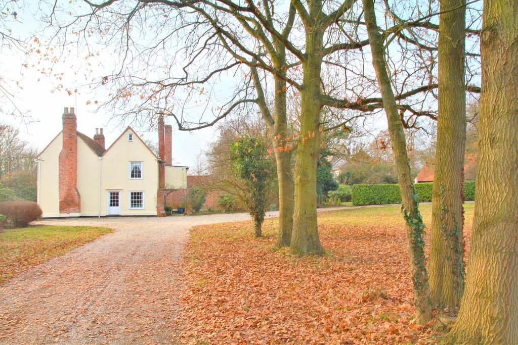 4 Bedrooms Detached House for sale in Church Road, West Hanningfield