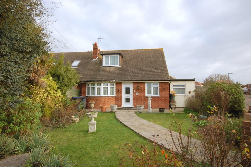 4 Bedrooms Semi Detached Bungalow for sale in Brook Close, Greenhill, Herne Bay