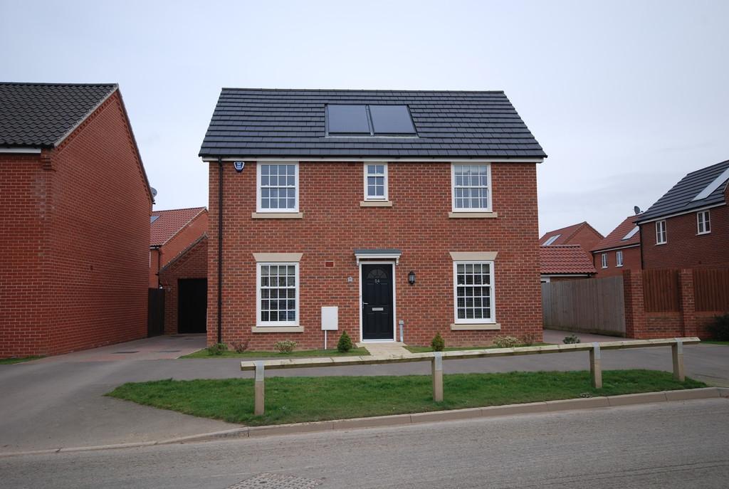4 Bedrooms Detached House for sale in Albini Way, Wymondham