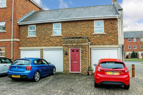 2 bedroom property to rent - Eastbury Way, Redhouse, Swindon