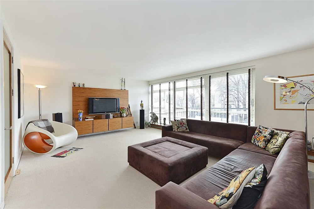 3 Bedrooms Apartment Flat for sale in Walsingham, St. Johns Wood Park, London, NW8