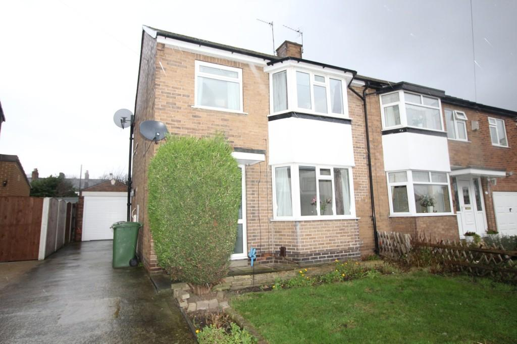3 Bedrooms Semi Detached House for sale in The Grove, Normanton, Normanton, West Yorkshire