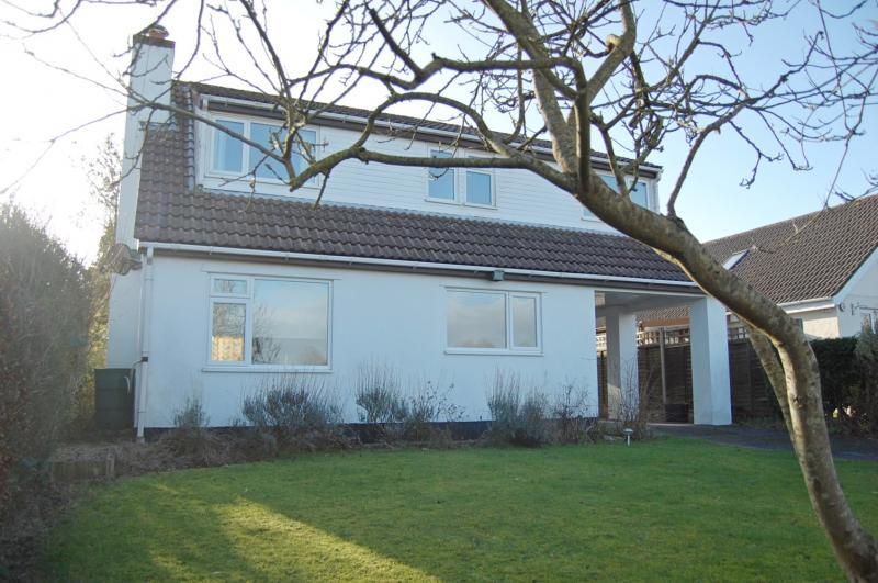 3 Bedrooms Detached House for sale in Failand