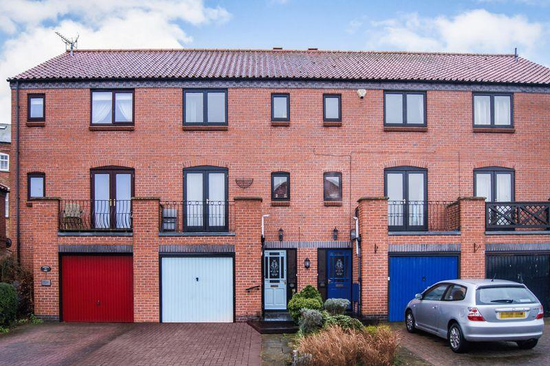 3 Bedrooms Terraced House for sale in Brewers Wharf, Newark
