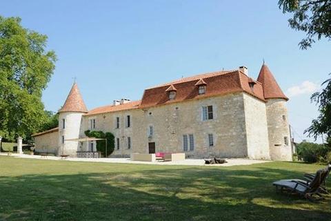 10 bedroom cottage  - Perignac, Charente, South West France